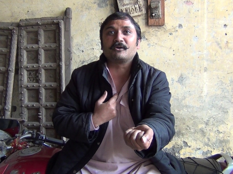 Aziz Kahan-Magician