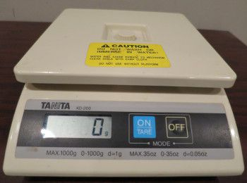 Scale to weigh jerky in grams for bags