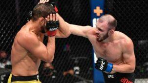 واحد وفعل: المقاتل الروسي رومان بوغاتوف تعاقد مع UFC بعد تكرار الركبتين غير القانونيين في UFC 251 (فيديو)