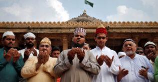 من الرفض إلى التسليم للواقع.. هكذا واجه مسلمو الهند إصرار الهندوس على هدم مسجد بابري