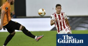 يستعد ليفربول للتعاقد مع الظهير الأيسر أوليمبياكوس كوستاس تسيميكاس مقابل 11.75 مليون جنيه إسترليني