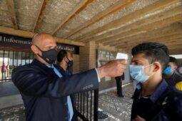 تدفع مصر رواتب العمال المنتظمين المتضررين من COVID-19