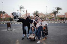 خريجو الثانوية والكليات المصرية يتصالحون مع احتفالاتهم البديلة |  شوارع مصرية