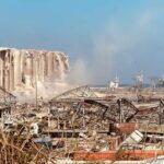 يشرح المحافظ أن أكثر من 200 ألف شخص أصبحوا بلا مأوى في بيروت حيث دمر الانفجار الصدمة المدينة