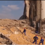 """"""" مشهد من فيلم ما بعد المروع """": بدء عمليات الإنقاذ الروسية في بؤرة تفجيرات بيروت"""