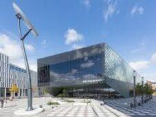 """شاهد.. متحف """"فيوتشريم"""" وإطلالة على مستقبل الطبيعة والبشر والتكنولوجيا"""