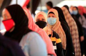 مصر تجري انتخابات مجلس الشيوخ على مستوى منخفض