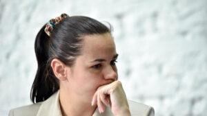 سفتلانا تيخانوفسكايا منافسة رئيس بيلاروسيا في الانتخابات تهرب إلى ليتوانيا