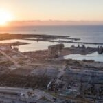 انفجار بيروت: عمال الإنقاذ الدوليون يسافرون لتعزيز البحث عن ناجين