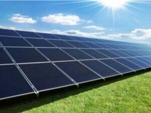 مصر تتخلى عن مناقصة للطاقة الشمسية بينما تطلق الشركة المصنعة خط تجميع الخلايا الشمسية