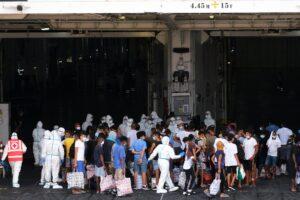 إيطاليا تستأنف عمليات ترحيل المهاجرين