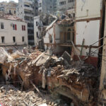 """لبنان: ماكرون يزور بيروت """"المنكوبة"""" الخميس وسط ارتفاع عدد قتلى الانفجار إلى 135"""