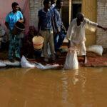 السودان يطلق نداء دوليا لإغاثة المتضررين وتحذيرات من ظهور أوبئة بسبب الفيضانات