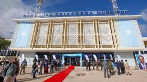 الصومال يعين رئيسا جديدا للوزراء ويكشف عن خطة للانتخابات