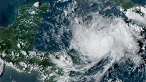 اليونان: إعصار نادر يهدد بفيضانات والسكان مدعوون للاحتماء في أماكن بديلة