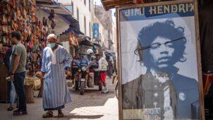 بالصور: قرية مغربية تتحدث عن أساطير وأساطير جيمي هندريكس