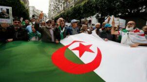تبرئة صحفي جزائري بعد عام من الاحتجاز
