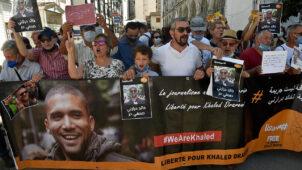 صدمة في الجزائر واستياء بالخارج بعد الحكم على الصحافي خالد درارني بالسجن عامين مع النفاذ