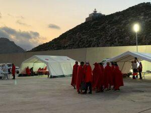 يصل مجموع المهاجرين الجزائريين غير النظاميين الذين وصلوا إلى مورسيا إلى 272 و 19 قاربا