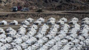 اللاجئون في اليونان قلقون من دخول المخيم الجديد بعد حريق موريا