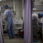 يفرض فيروس كورونا ضغطا جديدا على النظام الصحي المكتظ في غزة