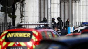 ثلاثة قتلى على الأقل في هجوم بسكين بمدينة نيس الفرنسية