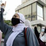 ينمو الغضب تجاه إيمانويل ماكرون في العالم الإسلامي