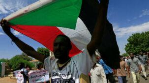 الولايات المتحدة تزيل اسم السودان من قائمة الدول الراعية للإرهاب مقابل 335 مليون دولار لضحايا الهجمات الإرهابية - ترامب