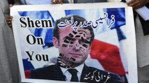 تجمع تصريحات ماكرون عن الإسلام الخصمين اللدودين إيران والمملكة العربية السعودية للانضمام إلى تنديد المسلمين المتزايد بالزعيم الفرنسي