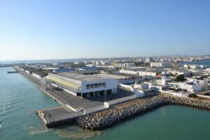 ميناء حلق الوادي- تونس/ ضبط 20 شخصا كانوا يعتزمون اجتياز الحدود البحرية خلسة