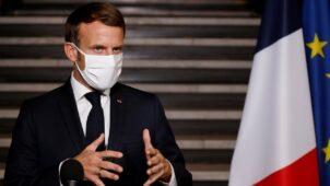 """فرنسا: ماكرون يتعهد بـ""""تكثيف التحركات"""" ضد الإسلام المتطرف بعد مقتل صامويل باتي"""
