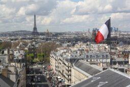 فرنسا: قطع رأس مدرس تاريخ في منطقة باريس - Algerie Eco