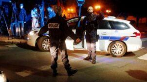 الشرطة الفرنسية أغلقت موقع الحادث وطاردت المتهم حتى قتلته في بلدة مجاورة