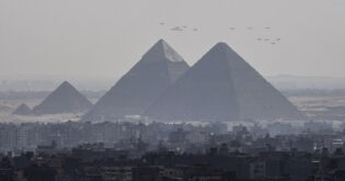 كيف تستطيع القوات الجوية المصرية تشغيل أسطولها المختلط الأصل؟