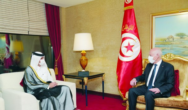 رئيس مجلس الوزراء يلتقي الرئيس التونسي
