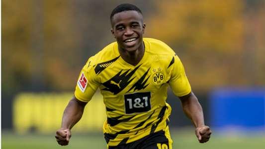 موكوكو يصبح أصغر لاعب في تاريخ الدوري الألماني مع دورتموند |  Goal.com