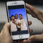 مغنية مصرية تواجه اتهامات بشأن صور مع إسرائيليين