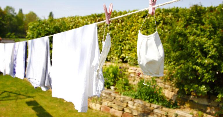 باحث يوصي بالتعامل مع الكمامة مثل الملابس الداخلية.. لماذا؟