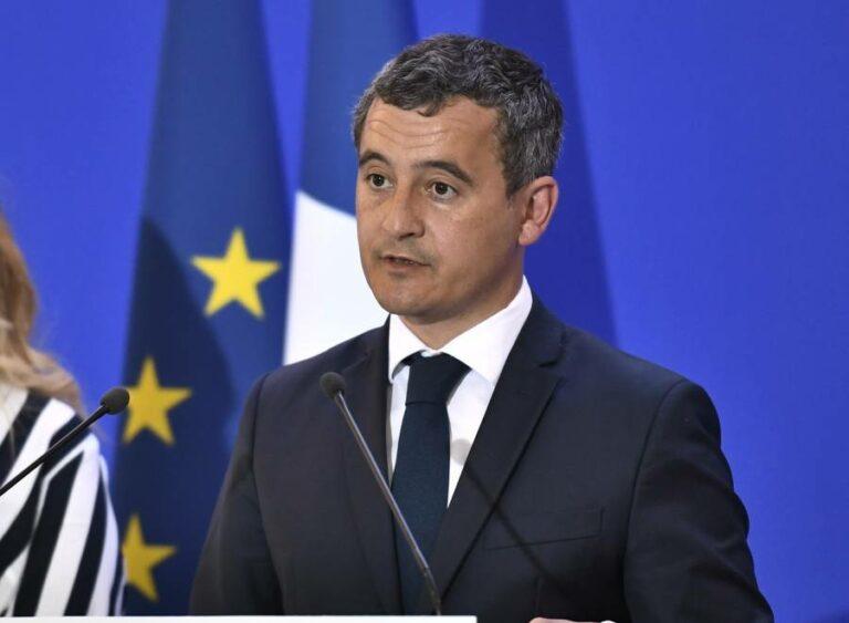 فرنسا: انخفاض تجنيس الاجانب حسب وزير الداخلية