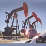 الجزائر تقول إن أوبك توصلت إلى توافق على تمديد تخفيضات النفط ثلاثة أشهر