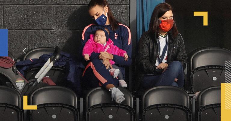 """""""ماما أليكس مورغان"""".. كيف تكون كرة القدم بطموح امرأة وقلب أم؟"""
