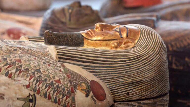 يستمر عدد المومياء في النمو في موقع الدفن في مصر القديمة
