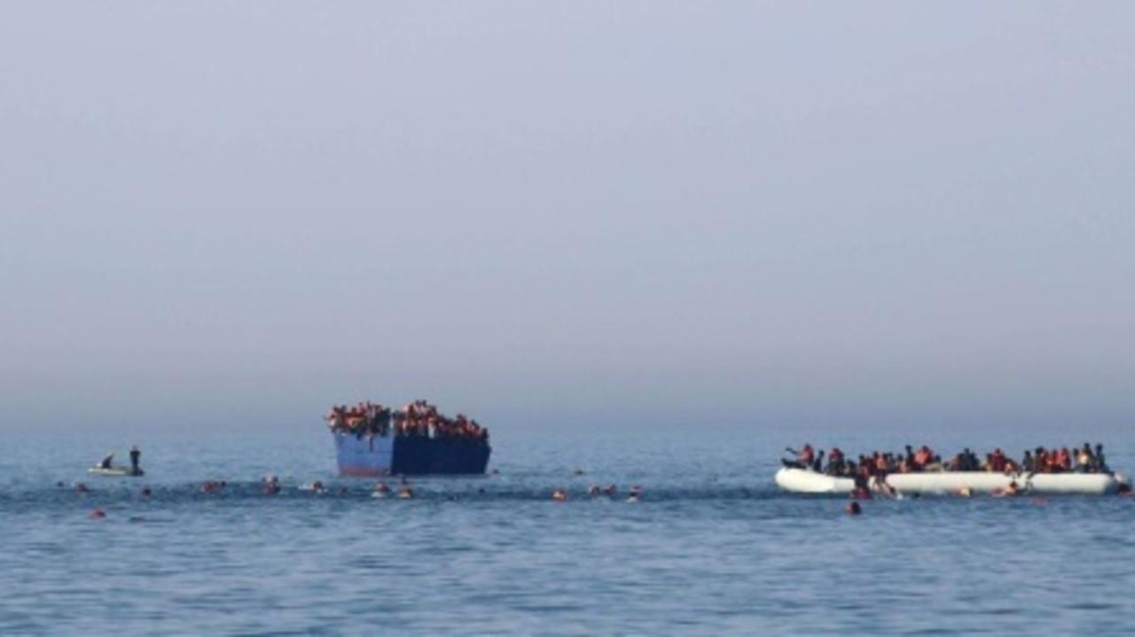 إسبانيا: مقتل أربعة أشخاص على الأقل في انقلاب مركب للمهاجرين قبالة سواحل جزر الكناري