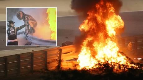 `` هذا الرجل محظوظ لكونه على قيد الحياة '': نجم الفورمولا واحد جروجان يقفز من INFERNO بينما تنفجر السيارة بعد انقسام نصفها في سباق البحرين للسيارات (فيديو)