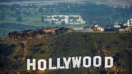 الترفيه الأساسي؟  حاكم كاليفورنيا يستبعد هوليوود من الاضطرار إلى اتباع أمر حظر التجول الصارم الخاص به Covid-19 - تقرير