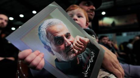إيران تشكل `` لجنة قضائية '' لتعقب قتلة سليماني ومعاقبتهم قبل ساعات فقط من مقتل عالم نووي كبير