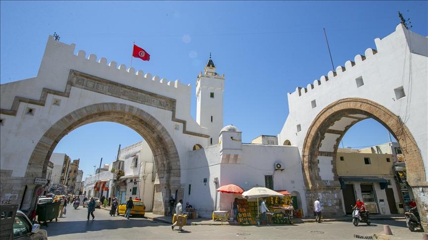 Coronavirus reveals Tunisia's healthcare dilemma