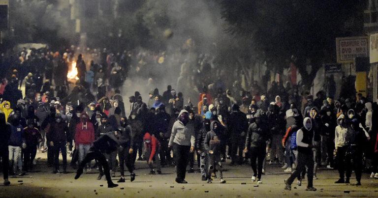 الرئيس التونسي سعيد يحث المحتجين على ضبط النفس في اليوم الرابع - The Mail & Guardian