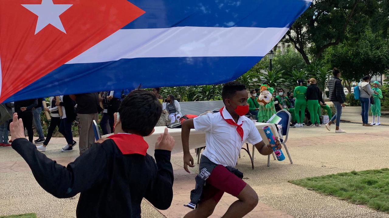 """الولايات المتحدة تعيد إدراج كوبا ضمن قائمة الدول الراعية للإرهاب وهافانا تندد """"بانتهازية إدارة ترامب"""""""