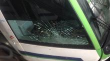 حي إبن سينا: مهاجمة ''الميترو'' بالحجارة وإصابة السائق..